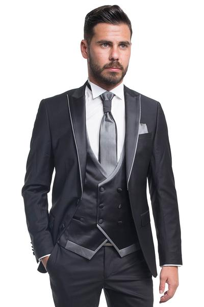 Groom suit with plain pattern