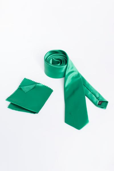 The grass green tie - the appropriate accessory for every suit