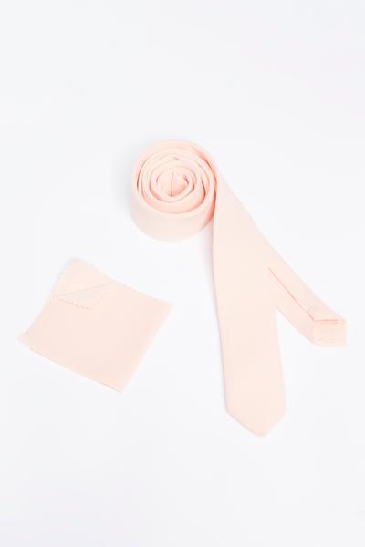 Polyester-Krawatte als klassisches Accessoire