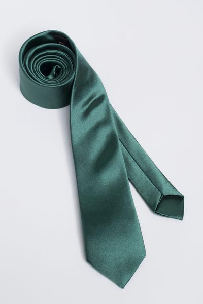 Fashionable tie with a subtle glow