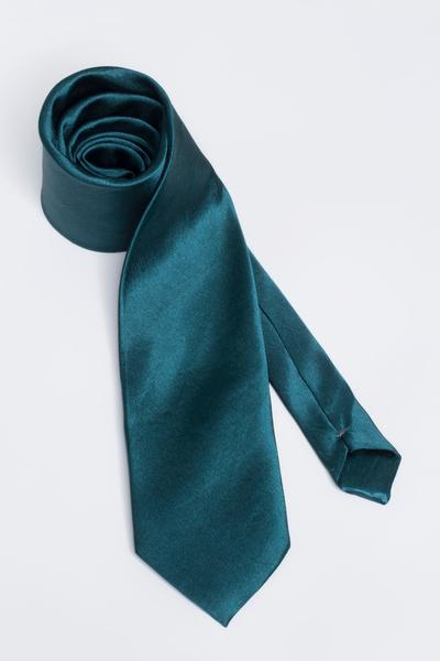 Wide tie with satin Sheen
