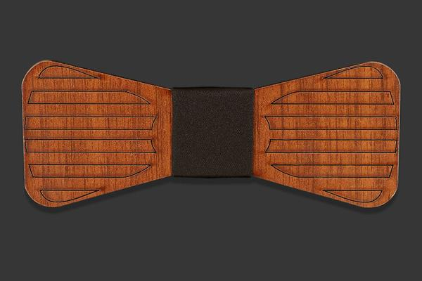 Wooden bow tie with lined pattern