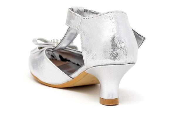 Children's shoe with bow