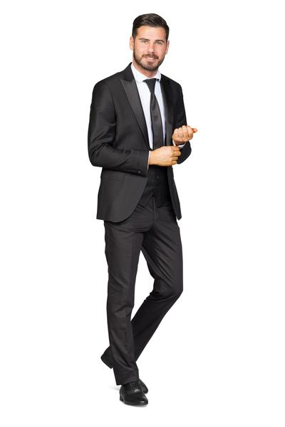 Classic groom suit in a modern look