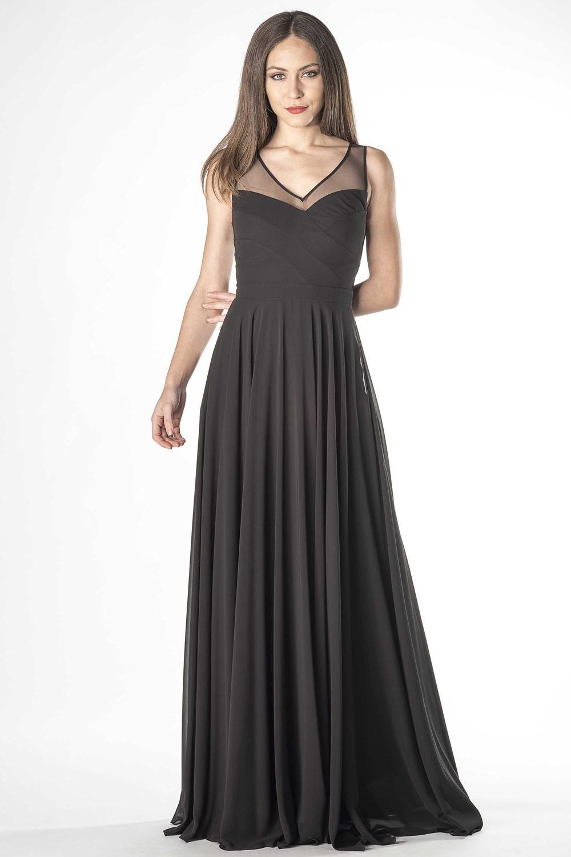 Schlichtes und elegantes Abendkleid mit transparenten ...
