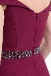 Bodenlanges Abendkleid mit Bardot-Ausschnitt