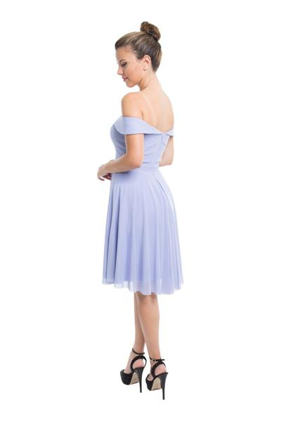 Kurzes Kleid mit Bardot-Ausschnitt