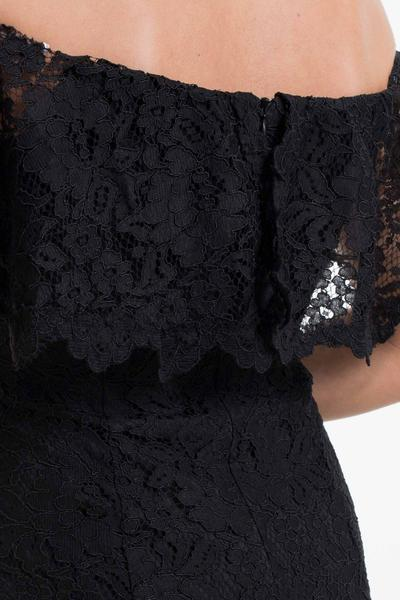 Elegant, strapless lace dress