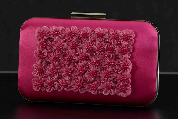 Florets clutch with pearls ruby