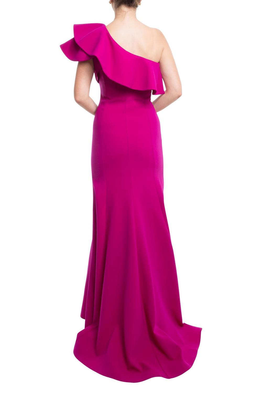Elegante vestido asimétrico con un hombro con volante