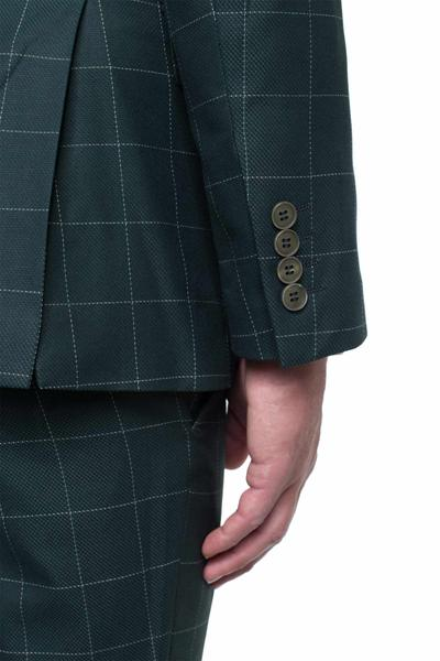 Classically elegant with plaid pattern