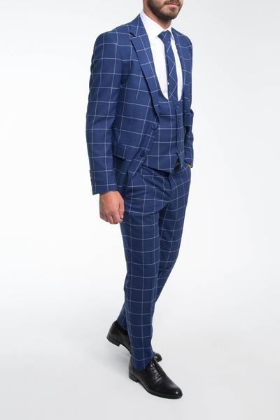 Classic three-piece with checked pattern