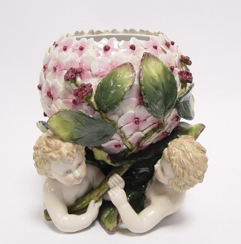 Blumentopf Porzellan Topf als schön bunte Schale mit lieblichem Engel Motiv.