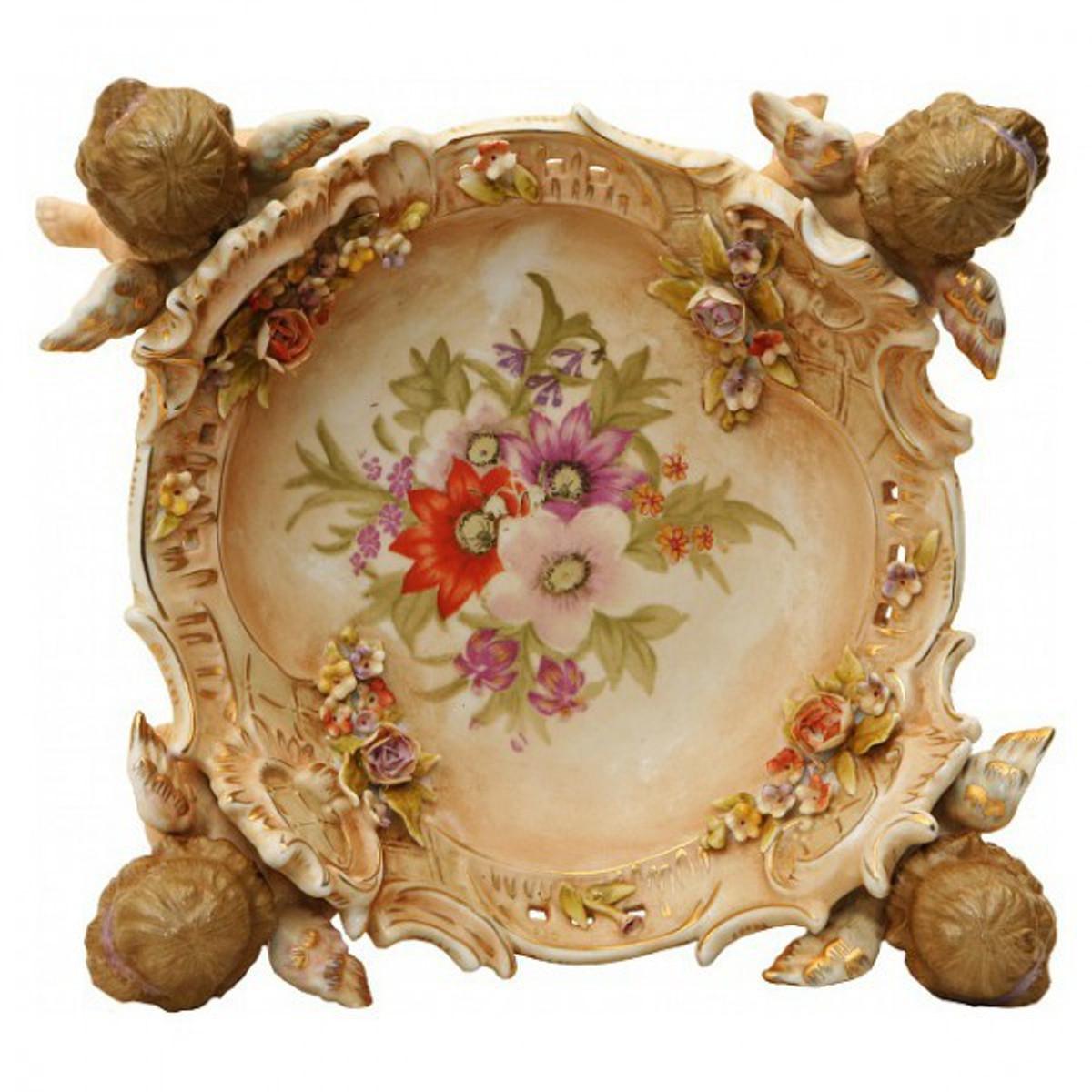 Porzellan Dekoration 4 Engel tragen Schale. Tolle Tisch Dekoration für Süßes.