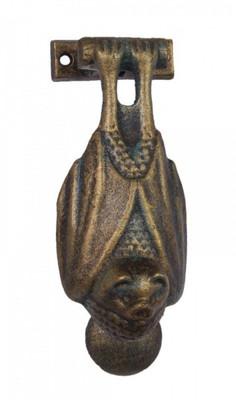 Türklopfer in Tier Form als Fledermaus hängend. Originell als Türbeschlag Garten.
