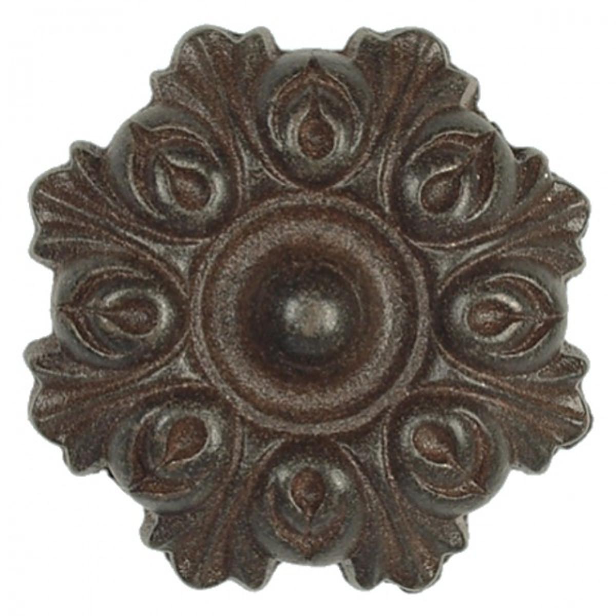 Antike Möbelbeschläge runde Rosette Eisenbeschlag für Möbel und Türen. Nostalgische Verzierung aus Eisen.