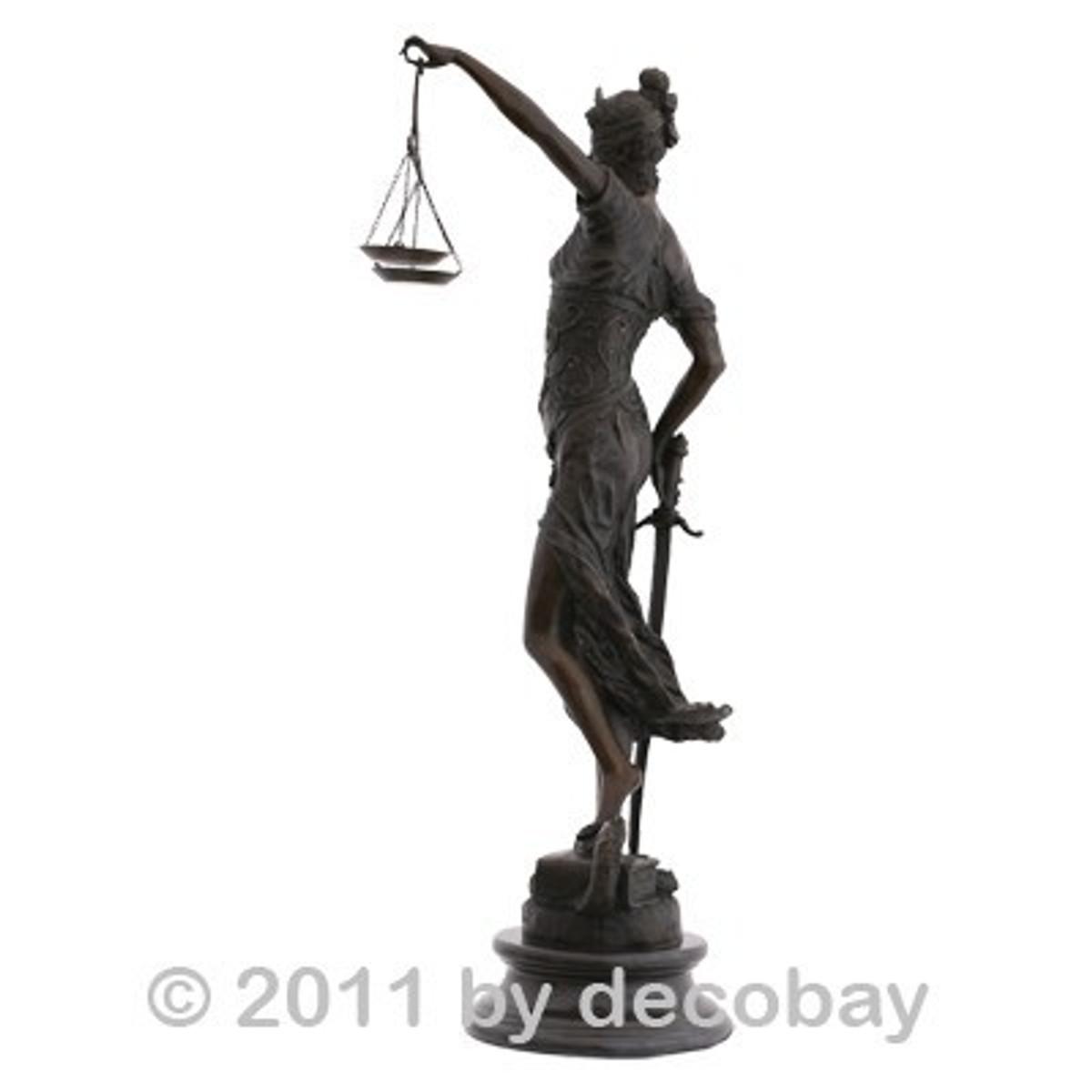Bronze Statue Dekoration Gerechtigkeit Justitia Kanzlei Bronzefigur großformatig. Monumentale Bronzestatue für Anwaltskanzlei und Gerichtsgebäude