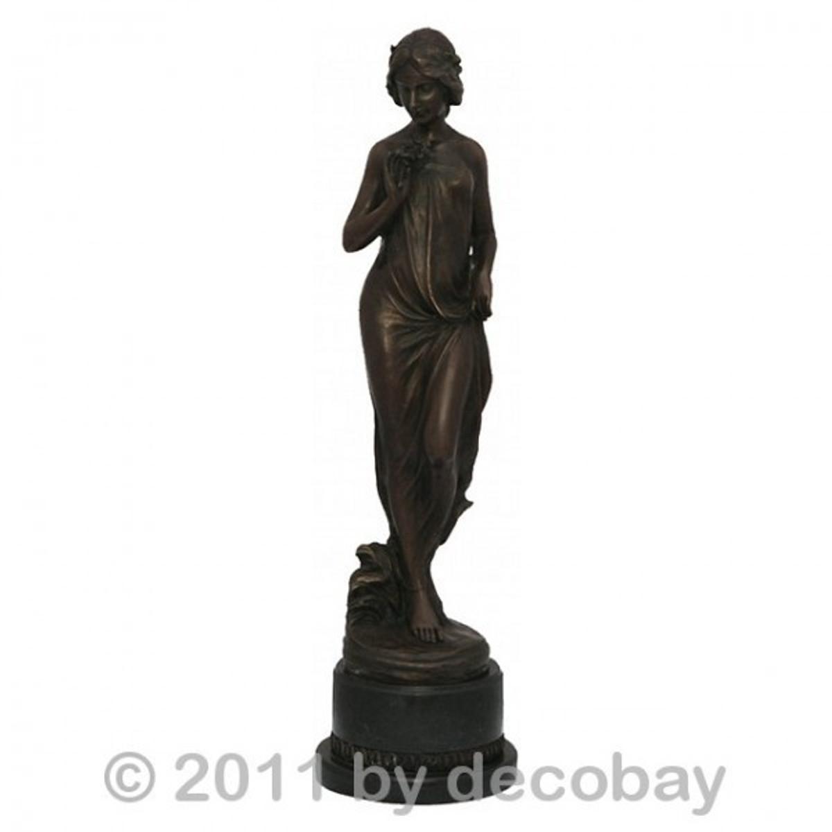 Antike Gartendeko Nette Frau Bronze Skulptur Lady für bedeutende antike Gartendekoration jetzt zugreifen.