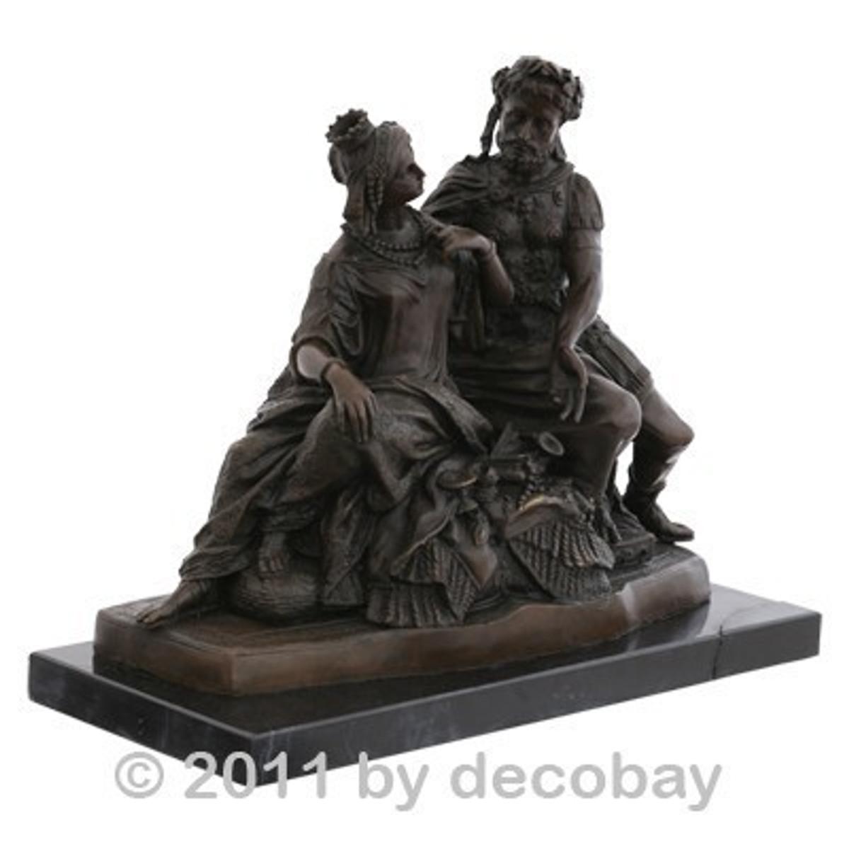 Wohnen und dekorieren Königin Feldherr Bronzefigur mit kunstfertiger Szene aus der römischen Antike als edle Gartendeko.