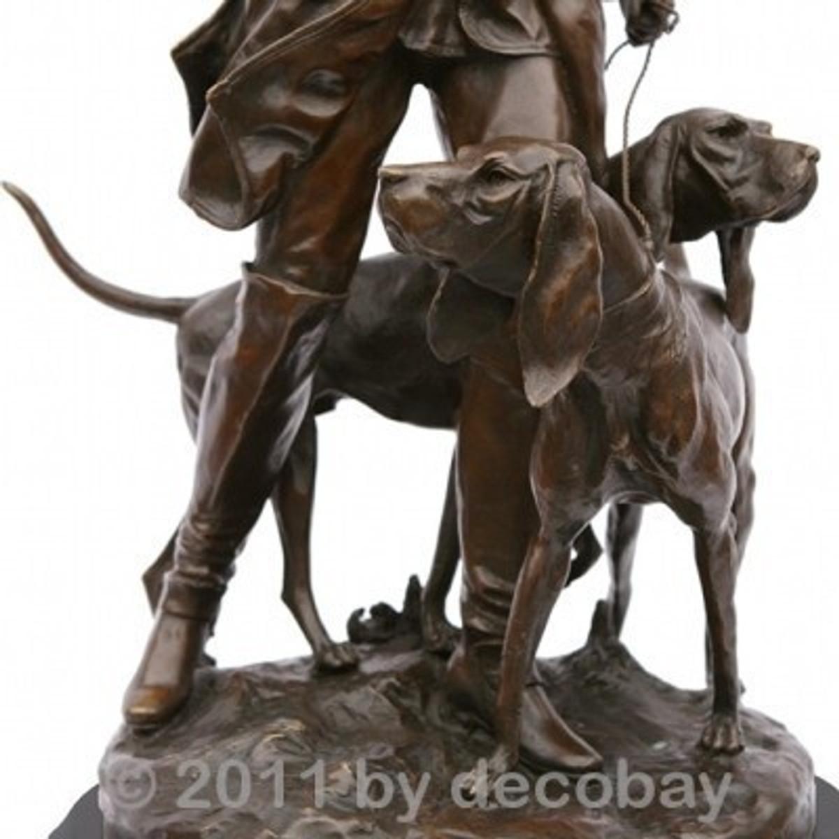Gartendekoration Bronze Statuen Skulptur Jäger mit Jagdhund Deko Figur zur Garten und Terrassen Deko.