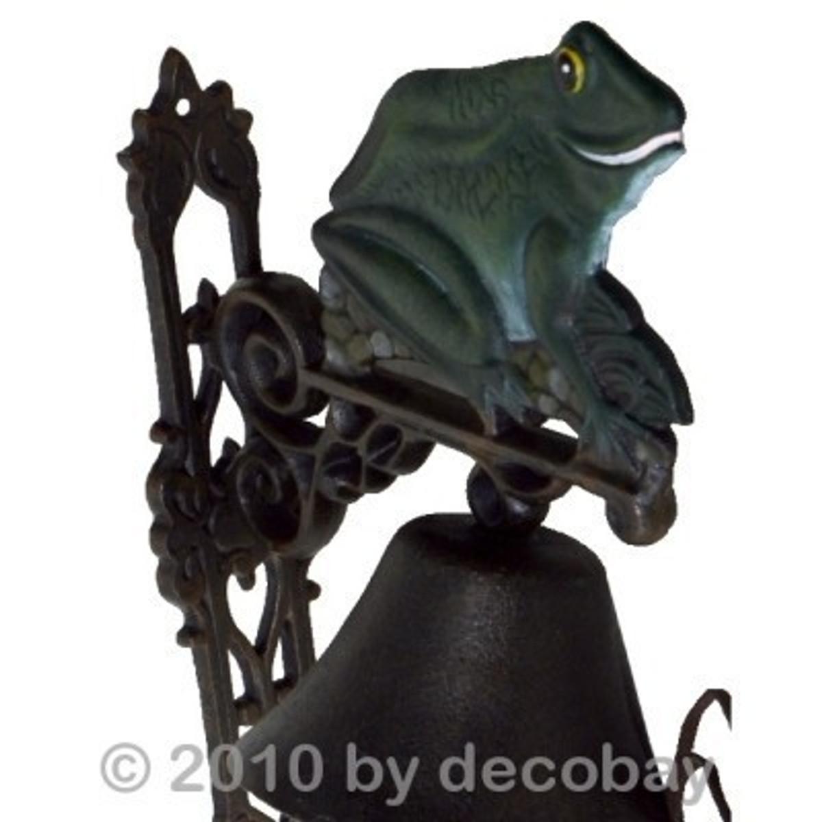 Garten Glocke Gußeisen mit tollem Frosch Motiv als Wanddekoration für Haustür.