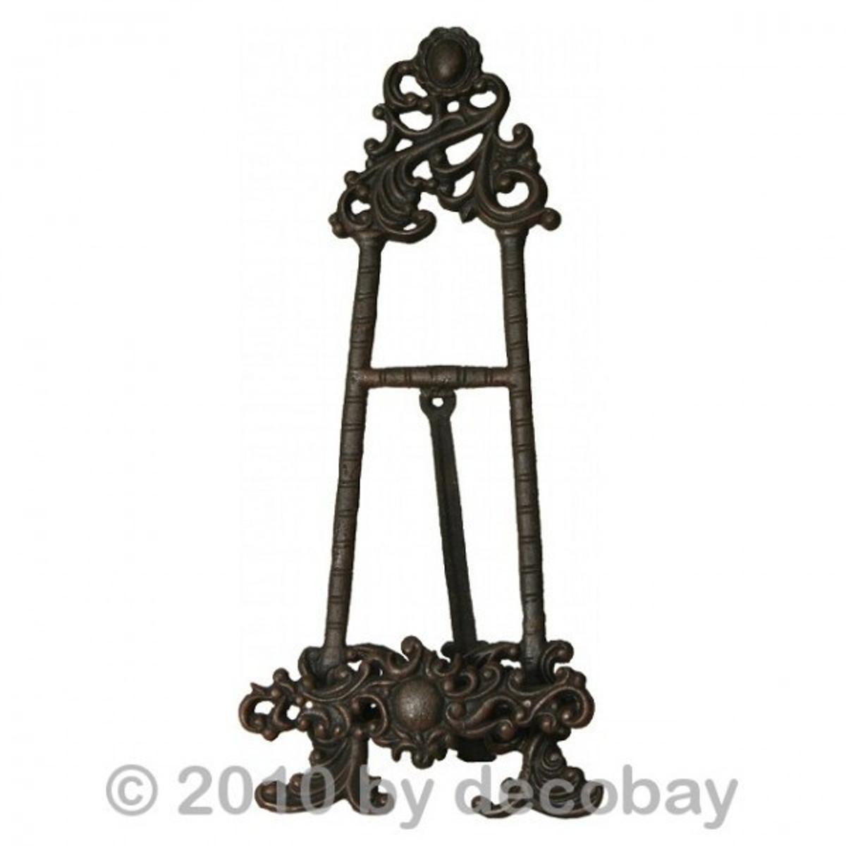 Buchständer aus Eisen , nutzbar als hoher Kochbuch Ständer und für große Bücher.