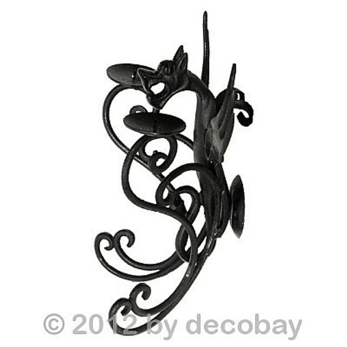 Wandkerzenhalter aus Gusseisen mit Docht für Kerzen. Dekorativ im Gotik Look.