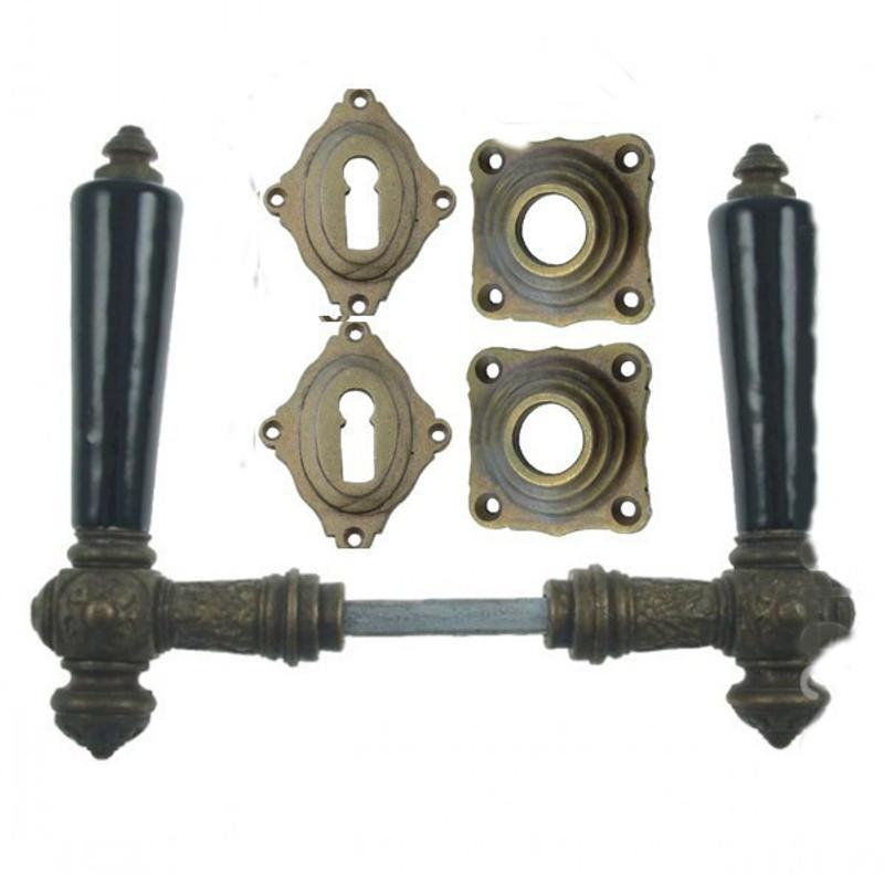 Buntbart Garnitur Türdrücker Porzellan Drückergarnitur BB mit schwarzem Türgriff aus Porzellan für Ihre Zimmertür.