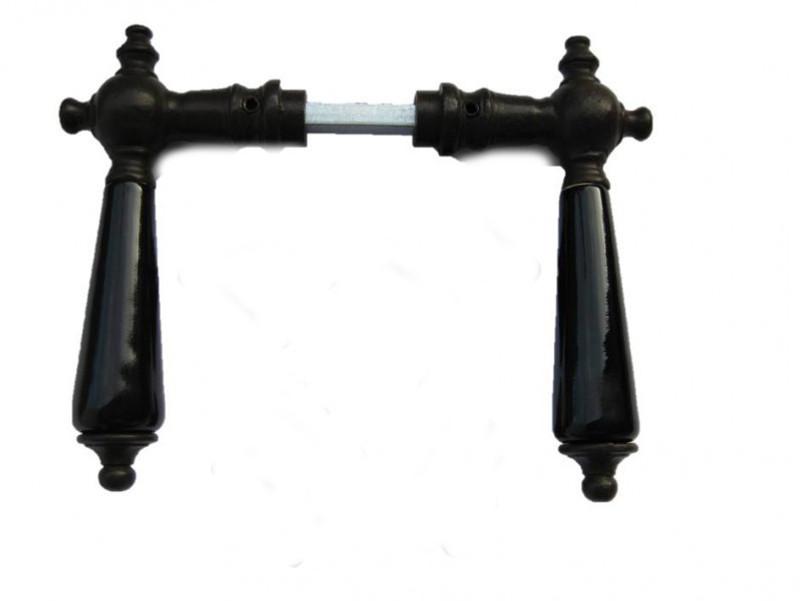 Porzellantürgriffe als historische Türgriffe aus Eisen Antik mit schwarzem Porzellan kaufen.