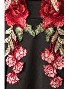 Zugeschnürt-Shop - Minikleid mit symmetrischen Blumenapplikationen schwarz – Bild $_i