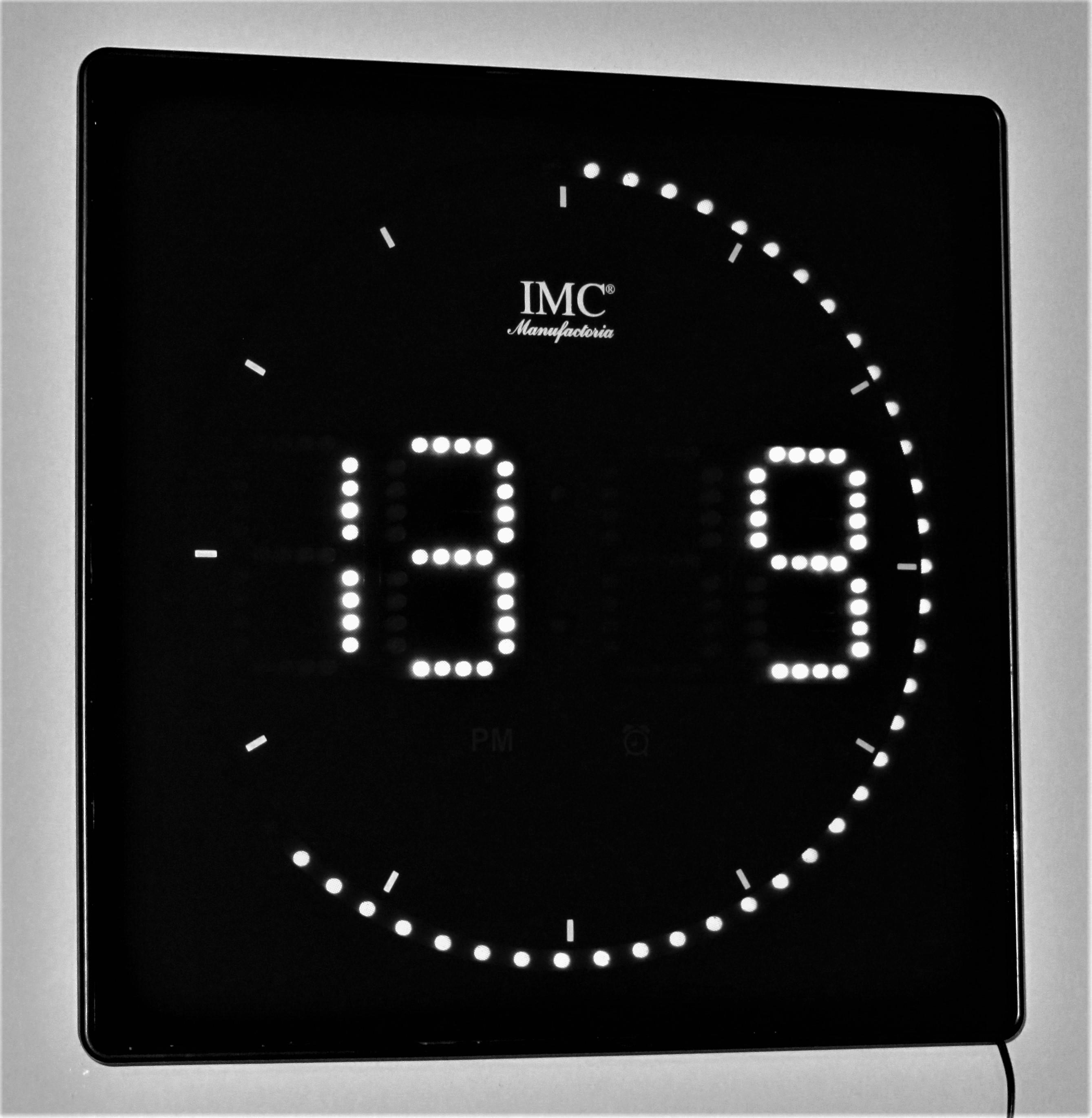 IMG-2 Elegantes Uhr Mit Temperaturanzeige Dekorationen
