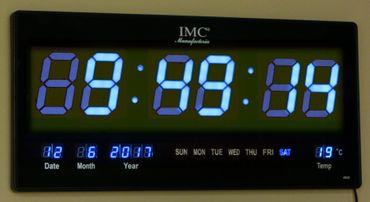 LED - Wanduhr mit Zahlen blau rechteckig digital Uhr Datum Temperatur Multi S – Bild 2