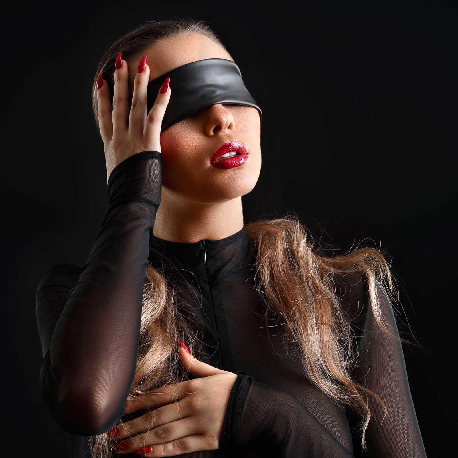 PATRICE CATANZARO Blindfold Wetlook
