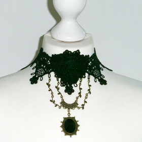 Detail image to DARK IN LOVE Gothic Rose Choker