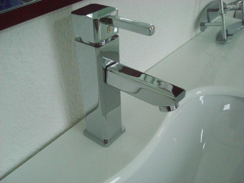 Armatur Badarmaturen Badezimmerarmaturen Wasserhahn Mischarmatur Waschtischarmatur