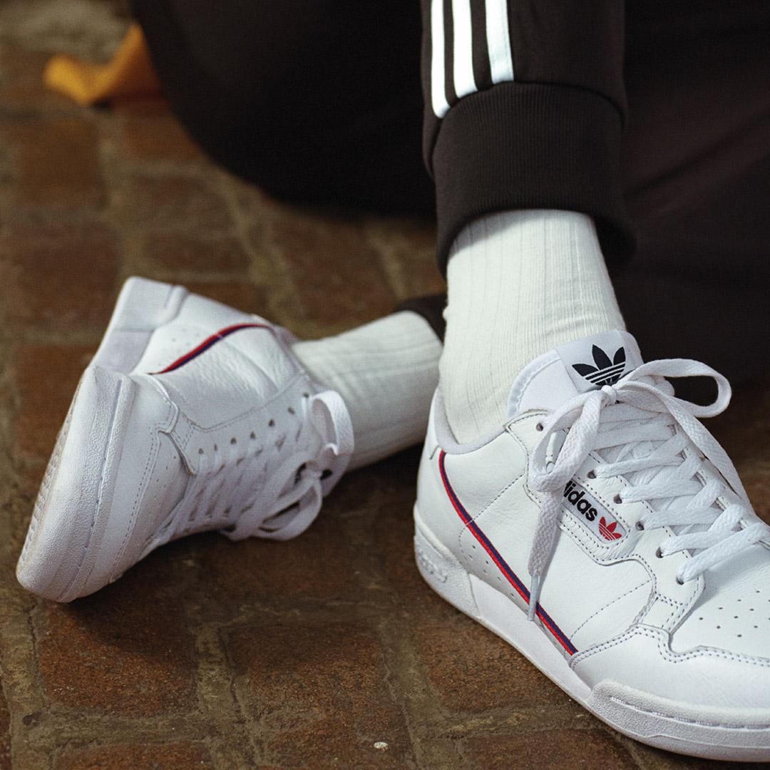 Die Marke mit den drei Streifen Adidas Originals