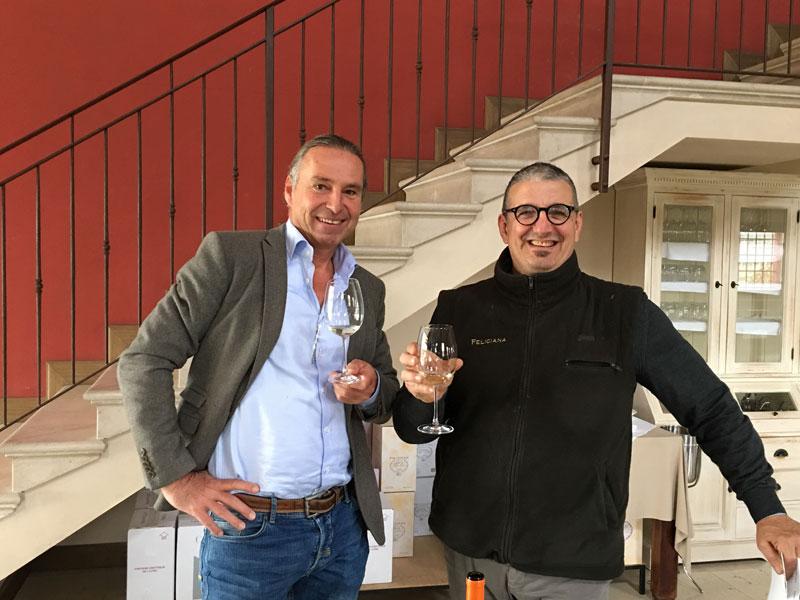 Massimo Sbruzzi und Michael Liebert verkosten Lugana-Wein