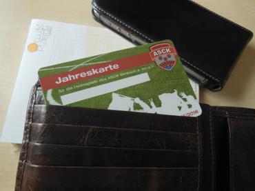 Scheckkarten aus PVC weiss, individualierbar mit Ihrem Foto, Logo oder Text, Fotodruck 2-seitig auf weißer Karte – Bild 1