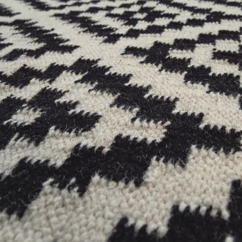 Hand-Woven Trend Rug Modern Moroccan Design Fringes In Black White – Bild 3