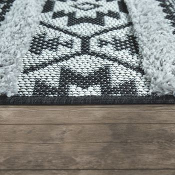 In Indoor & Outdoor Rug, With Deep-Pile Contrast And Ethnic Look, In Black And White – Bild 2