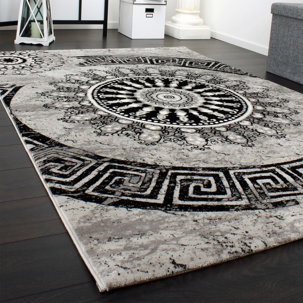 Carpet With Classic Pattern Circle Ornaments In A Mixture Of Grey And Black
