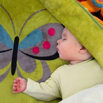 Decke Kinderdecken Schmetterlinge Grün Rosa Butterfly Kuscheldecke Spieldecke – Bild 1