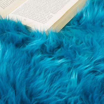 Australisches Lammfell Naturfell Bettvorleger Echtes Schaffell In Petrol Blau – Bild 3