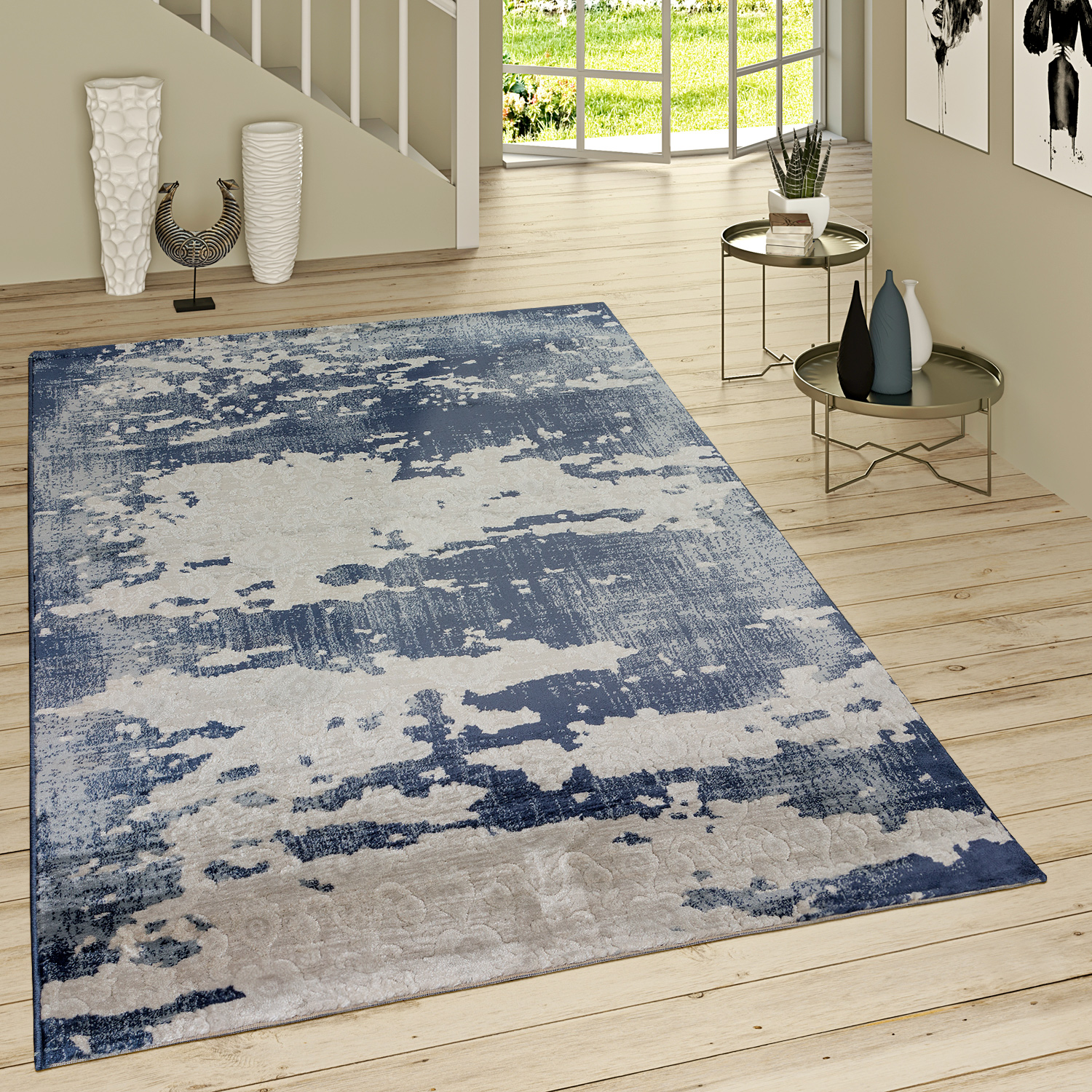 poils ras tapis look us motif ornemental bleu jean moderne gris bleu tapis tapis vintage. Black Bedroom Furniture Sets. Home Design Ideas