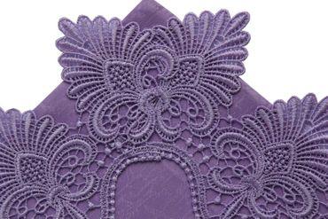 Violetter Kissenbezug mit Spitze – Bild 3