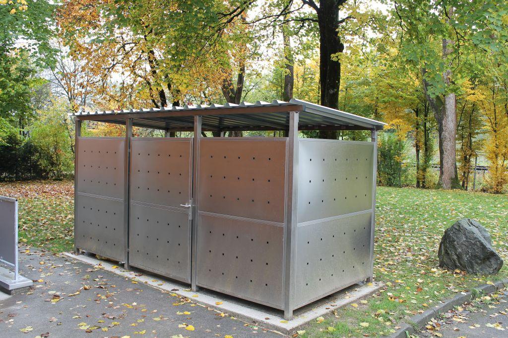 Mülltonnenhaus Größe 2 mit Edelstahl verkleidet