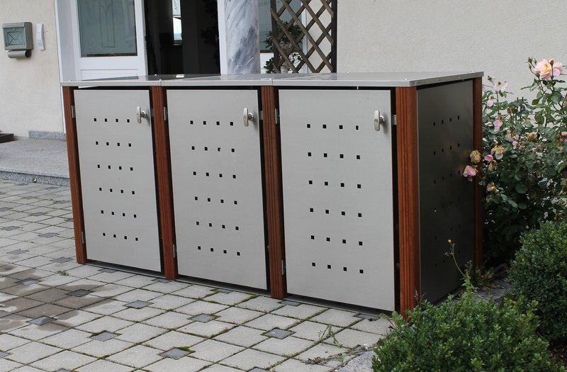 3er Mülltonnenbox Edelstahl 240 Liter mit Bangkirai Holzpfosten