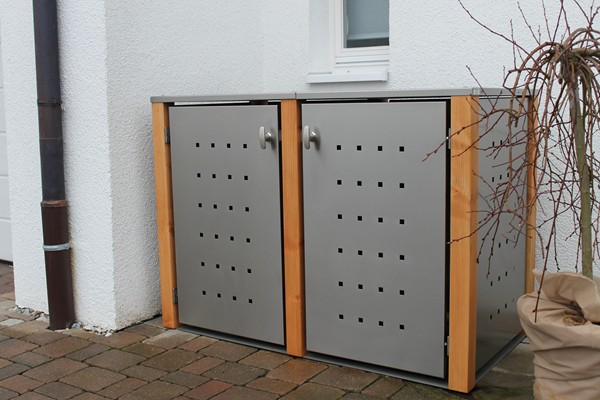 2er Mülltonnenbox Edelstahl 240 Liter - mit Lärchen / Douglasien Holzpfosten