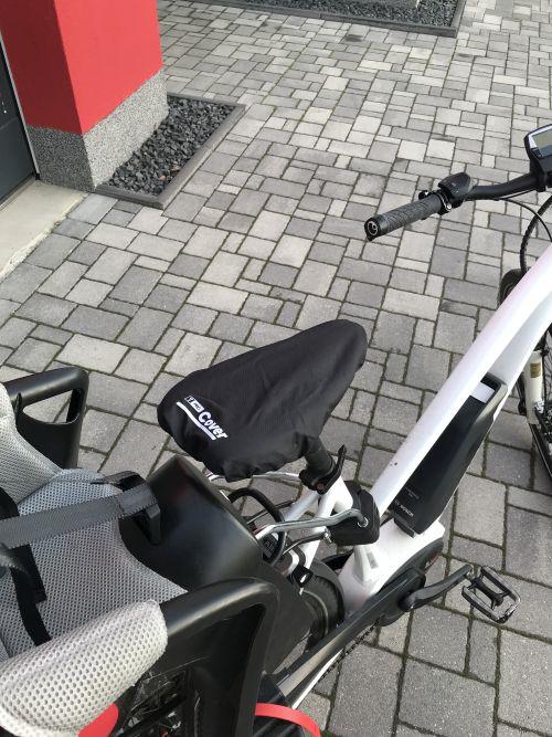 T-PRO Regenschutz für Fahrradsattel - Farbe: Schwarz