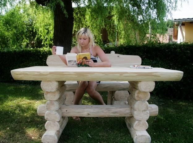 Rustikaler Holz Gartentisch Und Bank Massive Gartenmobel